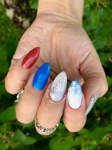 Alma White, @nail_datewithalma(IG), @nail_datewithalma(TikTok), Glitters, Spring, Almond Shape, Long Nail, Fake Nail, Tips, Design, Ombre, Fourth of July Theme, Spring, 4th of July, Star Spangle Spark