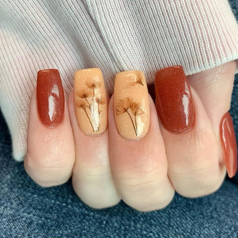Kaylee Ross @mani.can.nails(IG) 437-Soft Pretzel, 640-Peach Peal