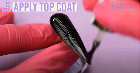 Apply a layer of Gel Top Coat onto your nail