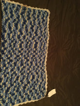 Load image into Gallery viewer, Crochet blanket- blue