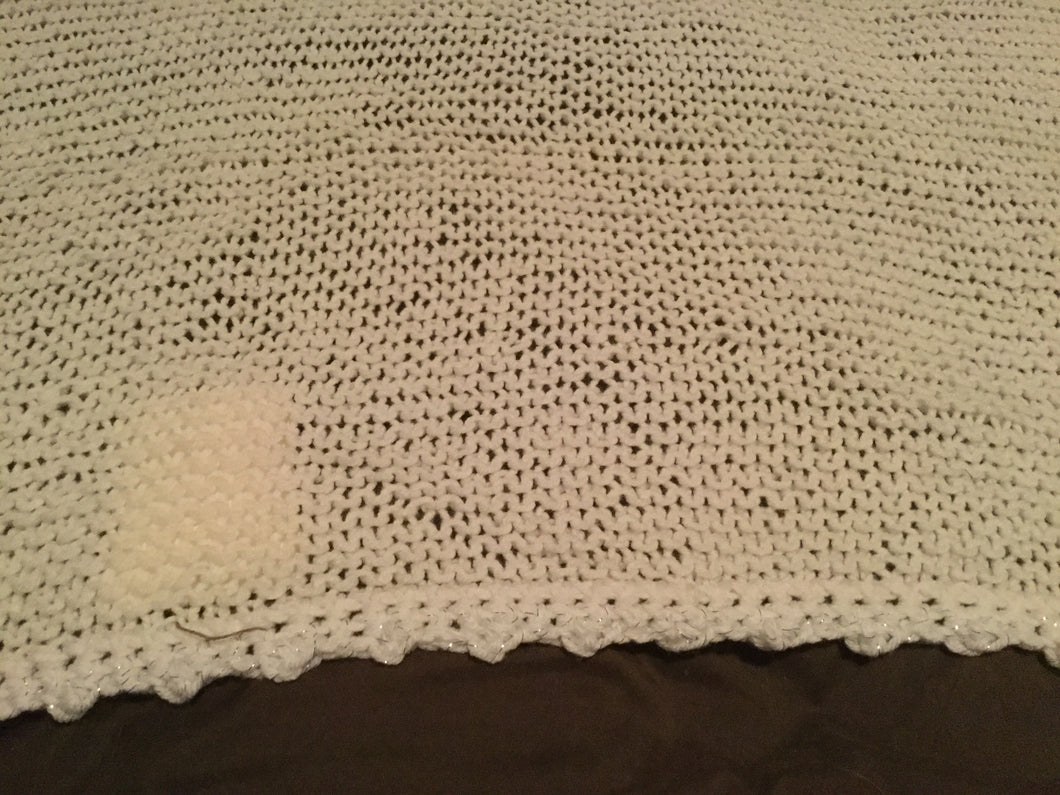 Crochet blanket- white