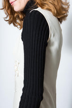 Load image into Gallery viewer, Teenflo Black Ribbed Wool Turtleneck, Small