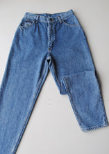 Load image into Gallery viewer, Wrangler Medium Wash Jeans, 27""