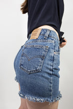 Load image into Gallery viewer, Mid-Rise Medium Wash Levi's 550 Cutoffs, 28""