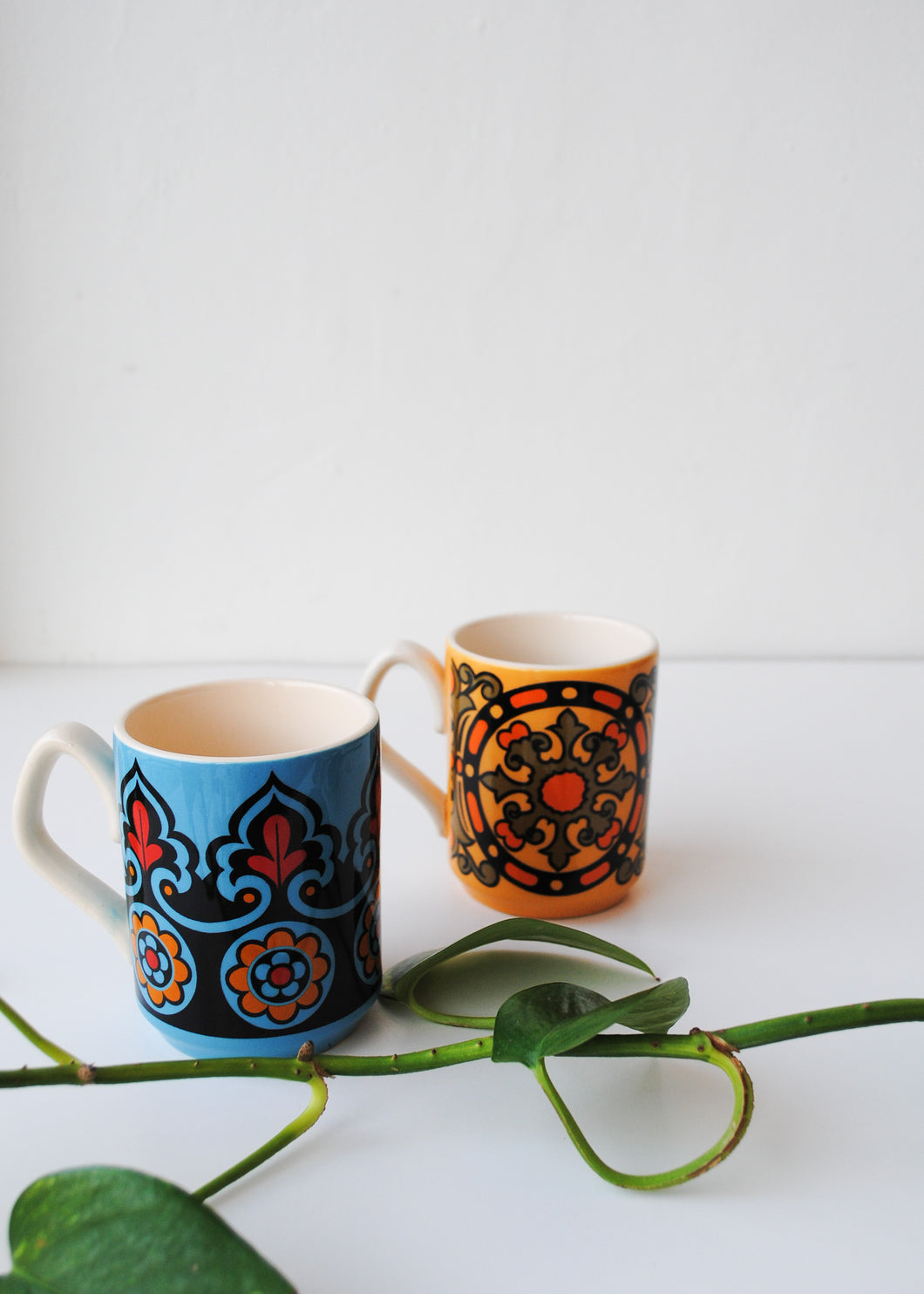 Vintage Art Nouveau Mugs (Set of 2)