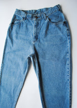 Load image into Gallery viewer, Medium Wash Lee Jeans, 29""