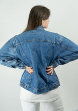 Load image into Gallery viewer, Wrangler Medium Wash Jean Jacket, XL