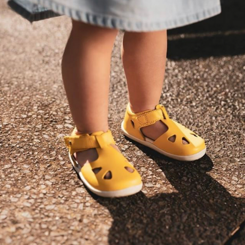 Kids Barefoot Shoes – the theory behind the trend