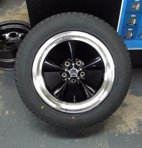 US MAGS Standard 17x8 5/4.75 1p offset Gloss Black with Machined Polished Lip