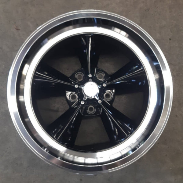 US MAGS Standard 17x8 5/4.75 1p 17x9 7p offset Gloss Black Machined Polished Lip