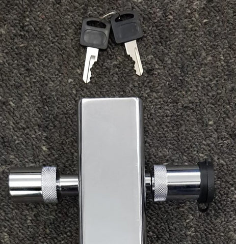 Towbar Tongue Chrome lockable pin New with keys auction for PIN ONLY