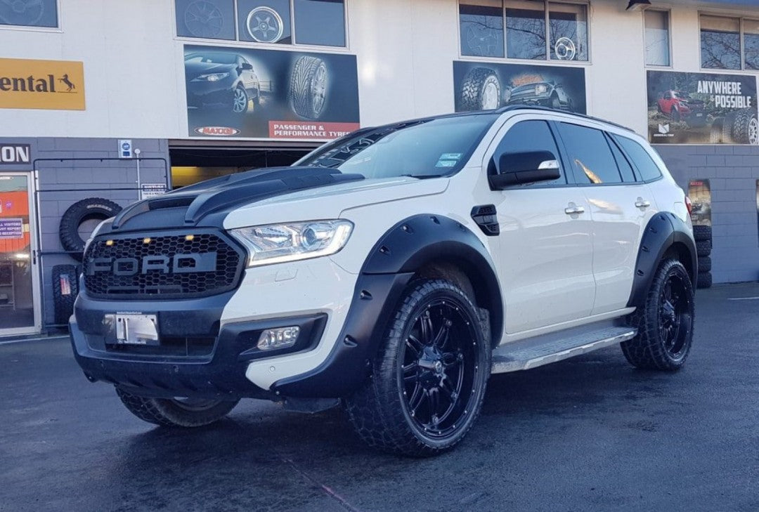 Ford Everest KUTSNAKE Flarekit Strong as Satin black flares flare kit extra wide