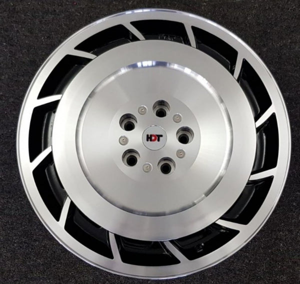 HDT Aero 19x8 5/120 38p Gloss Black Machined Polished Face Left + Right wheels