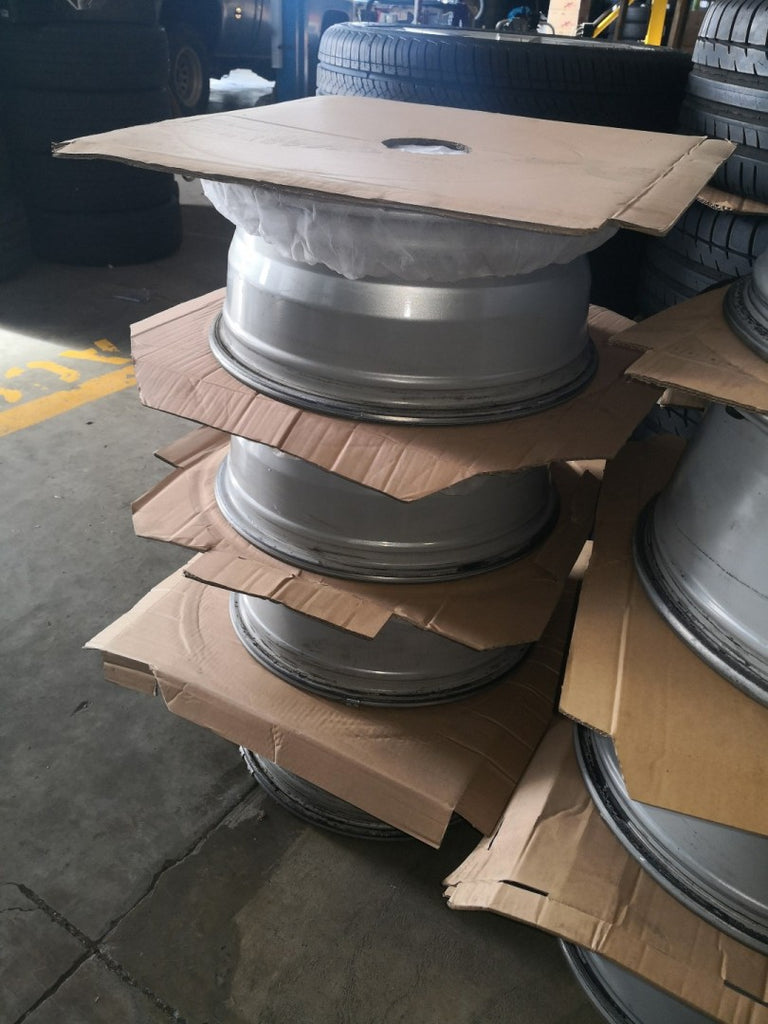 "17x7 Et 33p 6/139.7 Holden Colorado fits DMAX cheap set of 17"" secondhand mags"