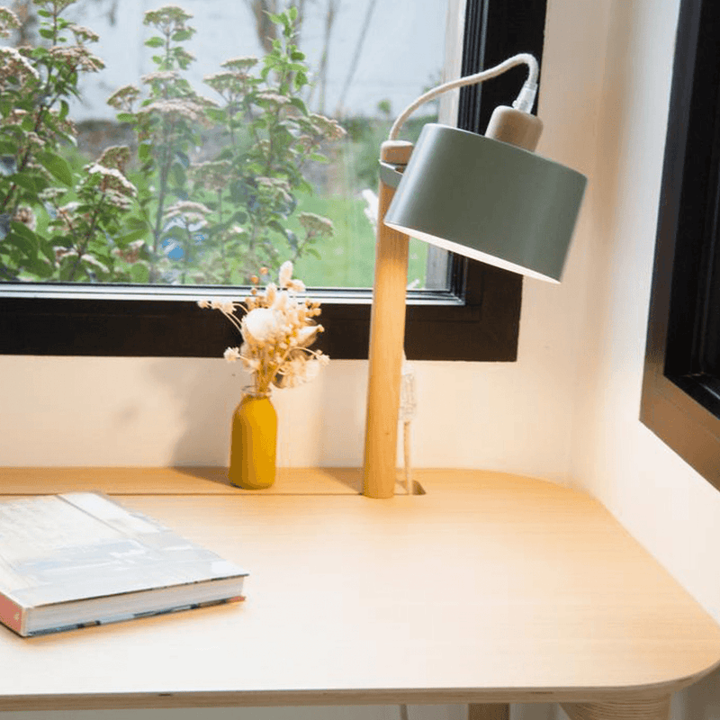 Dizy Design - Desk & Lamp by Camille - Bureau & Lampe by Camille - Bureau & Lampen by Camille