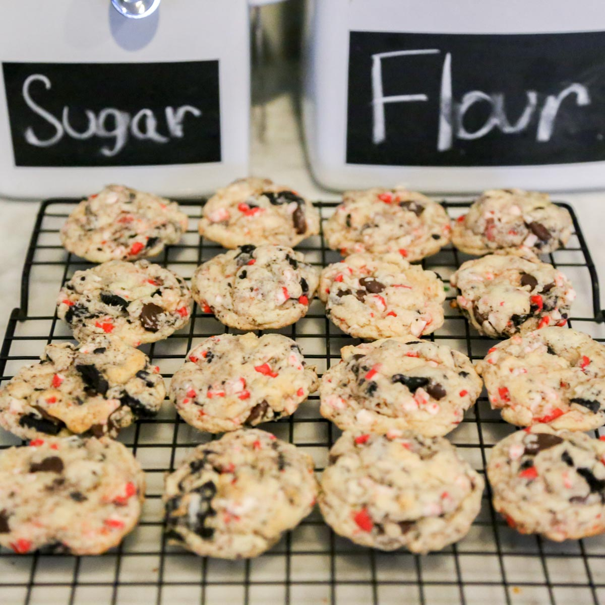 Oreo Peppermint Crunch Cookies from Smocked Auctions Aunt Ana #12DaysOfChristmasCookies