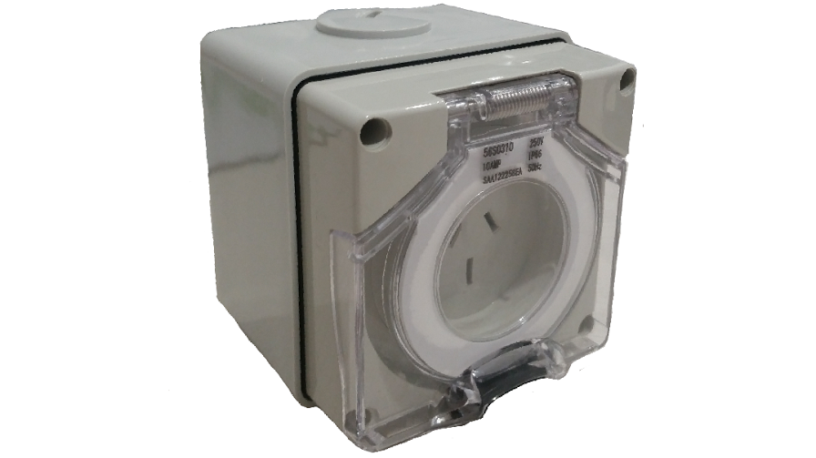 IP56 SOCKET OUTLET 3 PIN 15A (with back box)