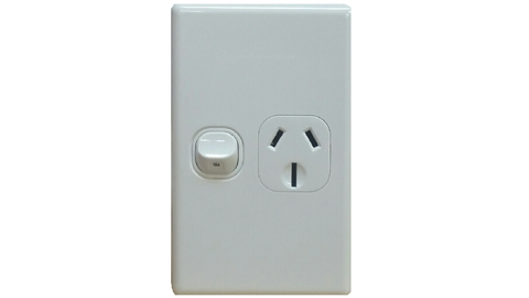 SINGLE VERTICAL OUTLET 15A