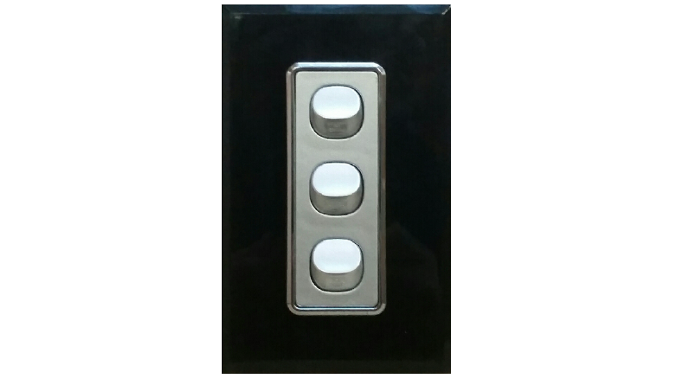 HEM CRYSTAL TRIPLE LIGHT SWITCH BLACK ON SILVER