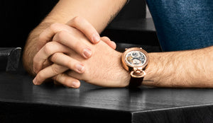 Stührling Answers: Where should a watch be worn, on the left or right hand?