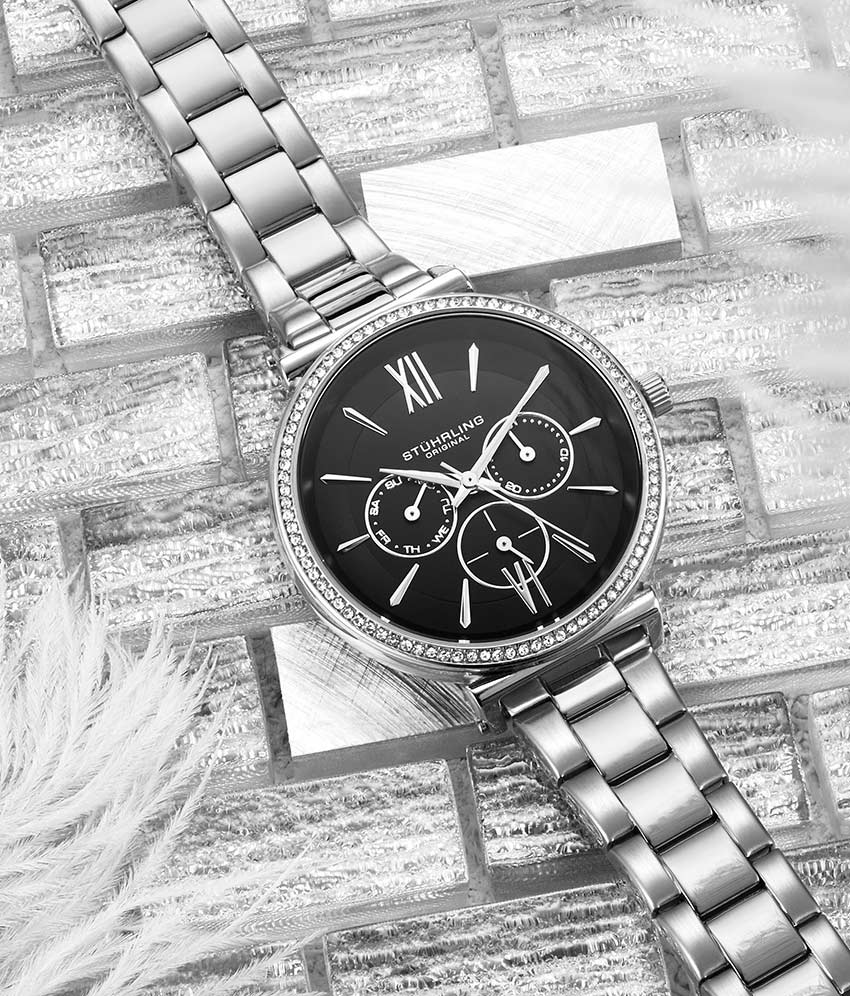 Black Dial / Silver Case / Silver Band