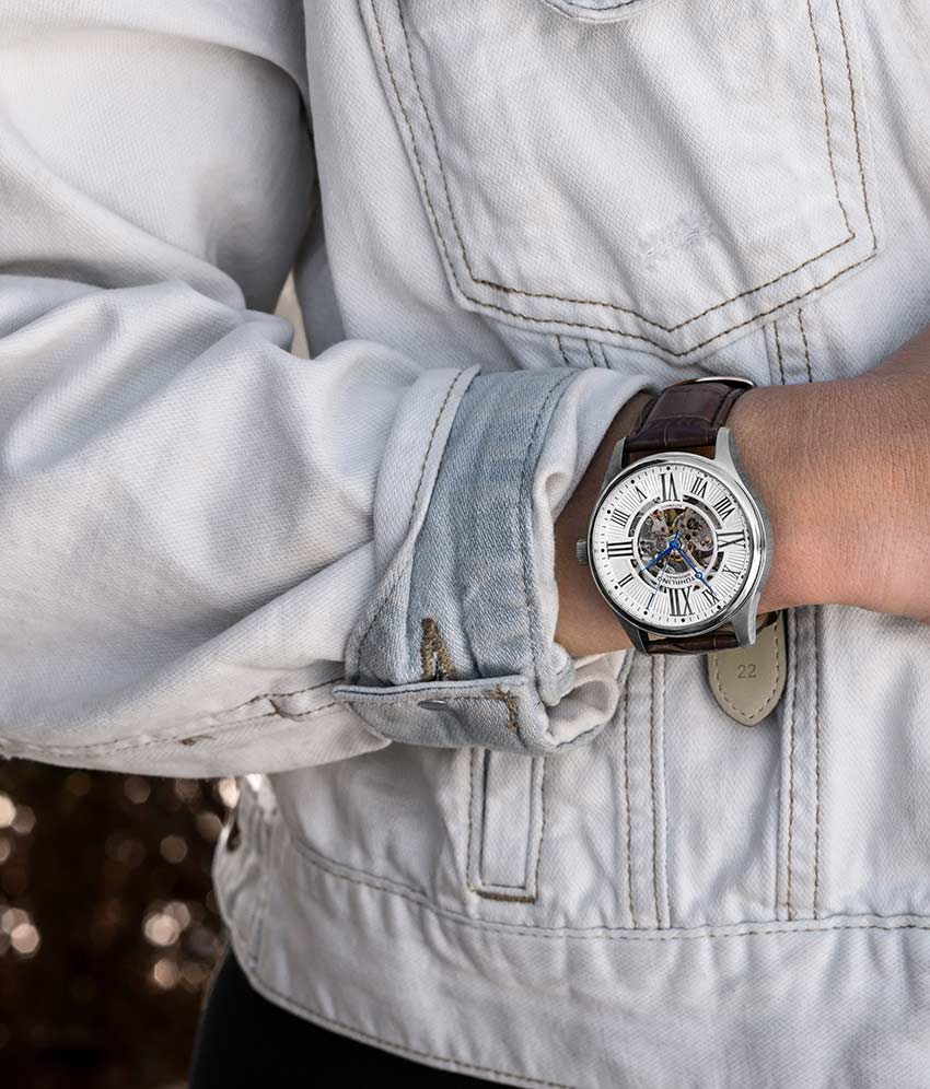 Silver Dial / Silver Case / Brown Band