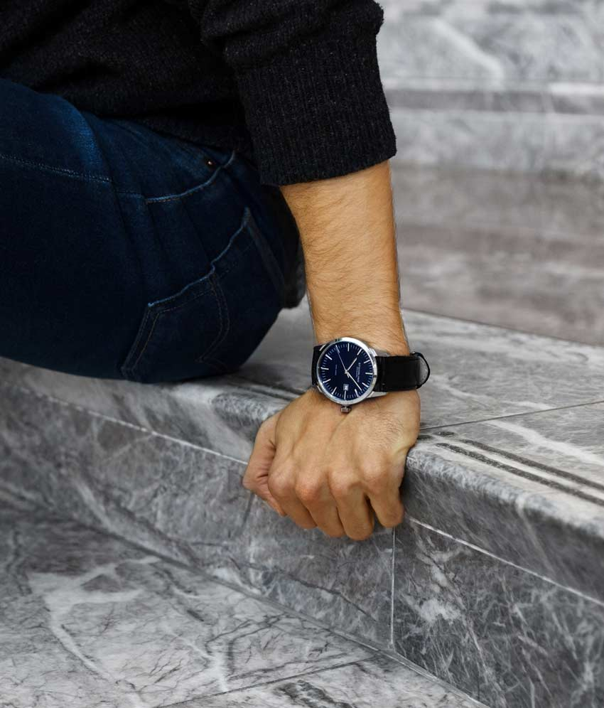 Blue Dial / Silver Case / Black Band