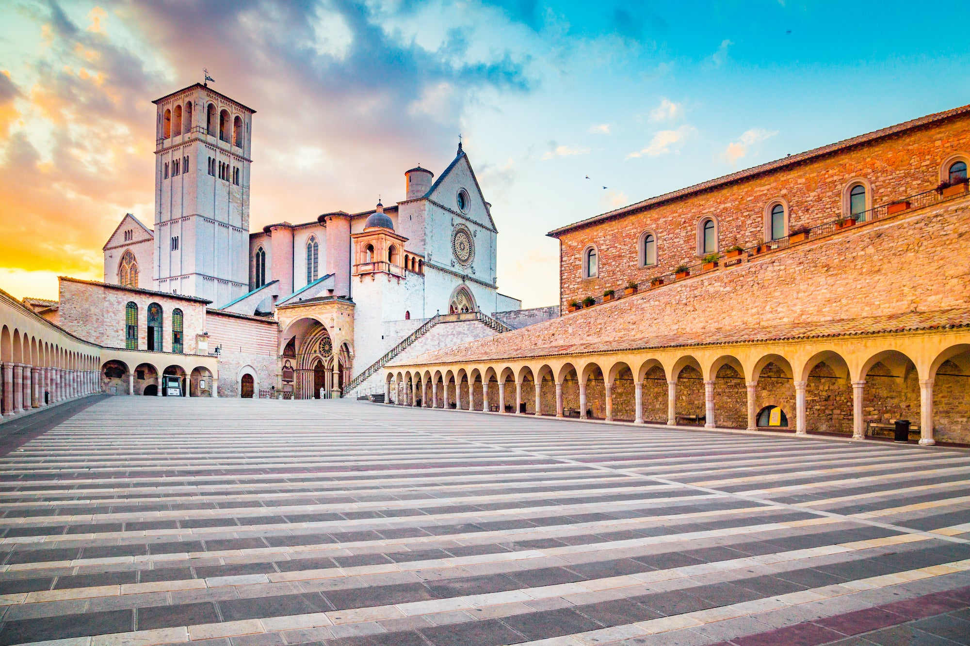 Umbria- Assisi, Basilica di San Francesco ( Assisi, Basilica of Saint Francis)