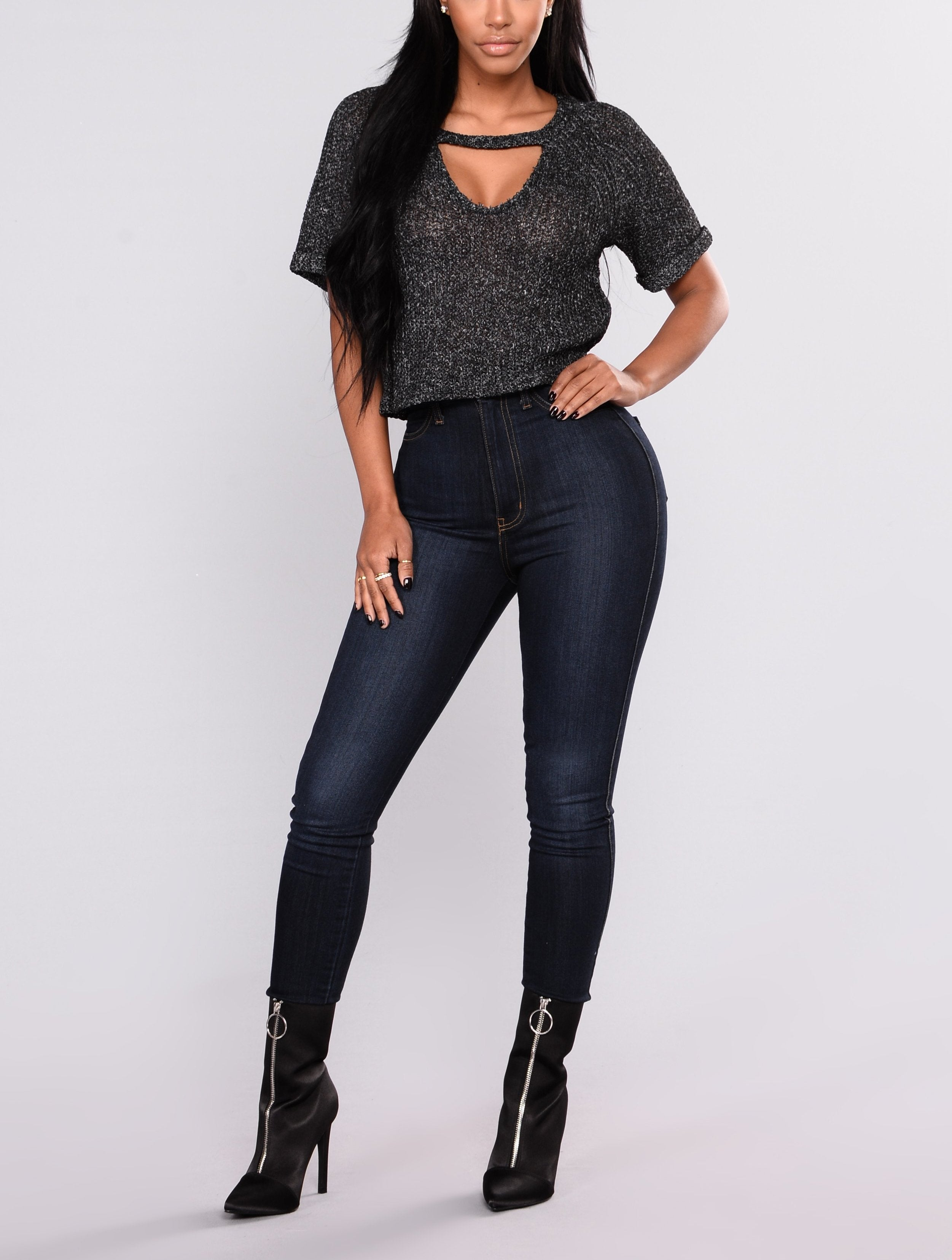 Short Sleeve V Neck Cut Out Sweater Top in Black