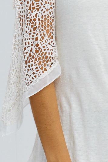 Lace Quarter Sleeve Chiffon Hem Top in Cream
