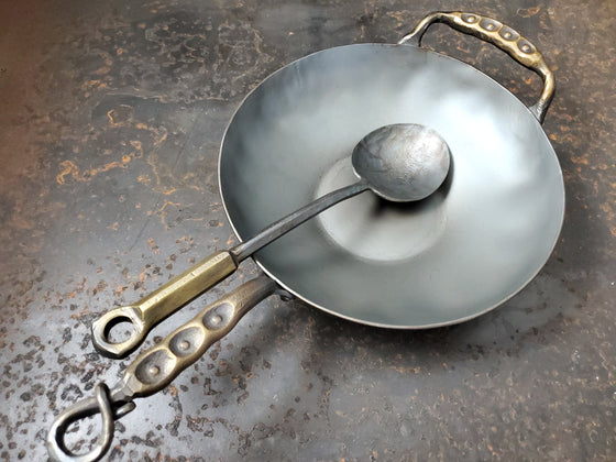 Hand forged Heavy 12 western style wok with sweet pea handles