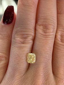 1.33ct FIY/SI2 Forevermark Cushion Diamond
