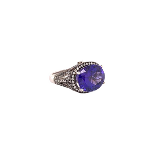 18K White Gold Oval Tanzanite and Round Diamond Ring