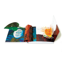 Load image into Gallery viewer, The Very Hungry Caterpillar Hungry Caterpillar Pop-Up Book (50th Anniversary Edition) • 好餓的毛毛蟲立體洞洞書 (50週年紀念版)