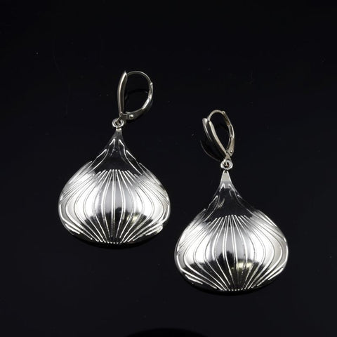 KISS Earrings E241