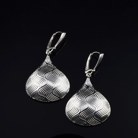 KISS Earrings E253