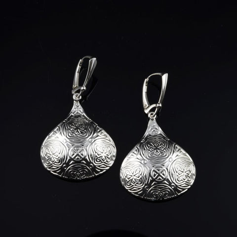 KISS Earrings E257