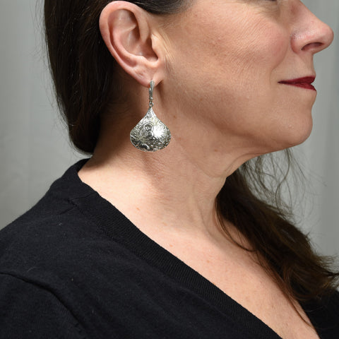 KISS Earrings E254 SOLD! You may also like the variation: E258, I accidently printed 2 pairs. The joys of being human!