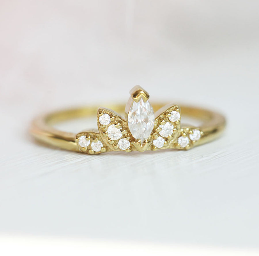 Shreya Halo Marquise Moissanite Band