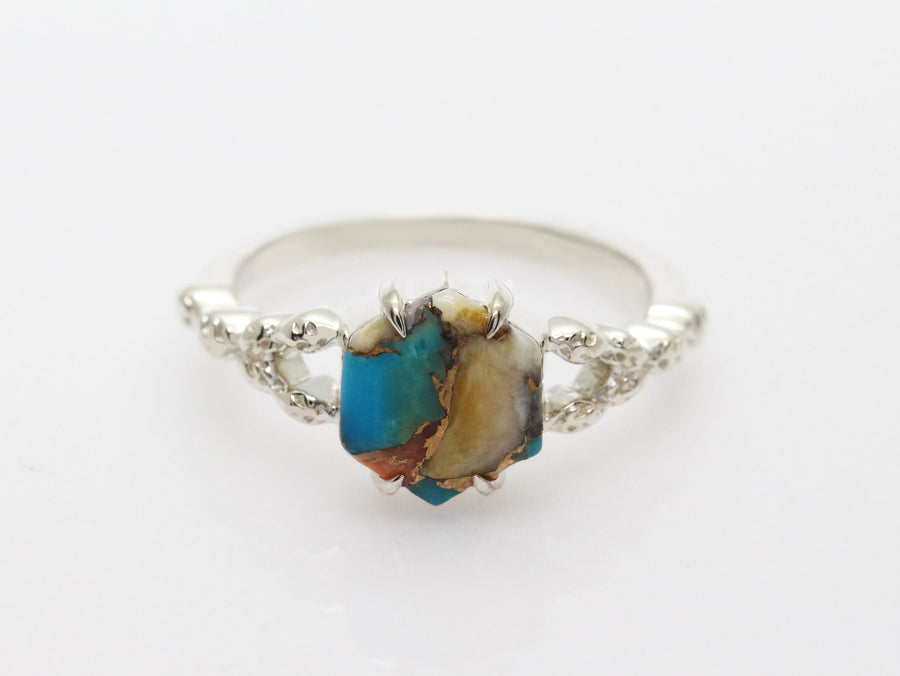 Gaia Hexagon Oyster Turquoise Ring with Leaves Band