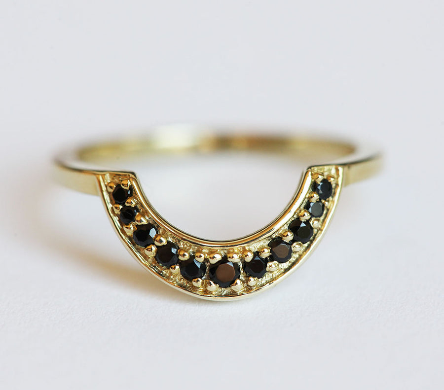 Arch Curved Band with Black Spinel