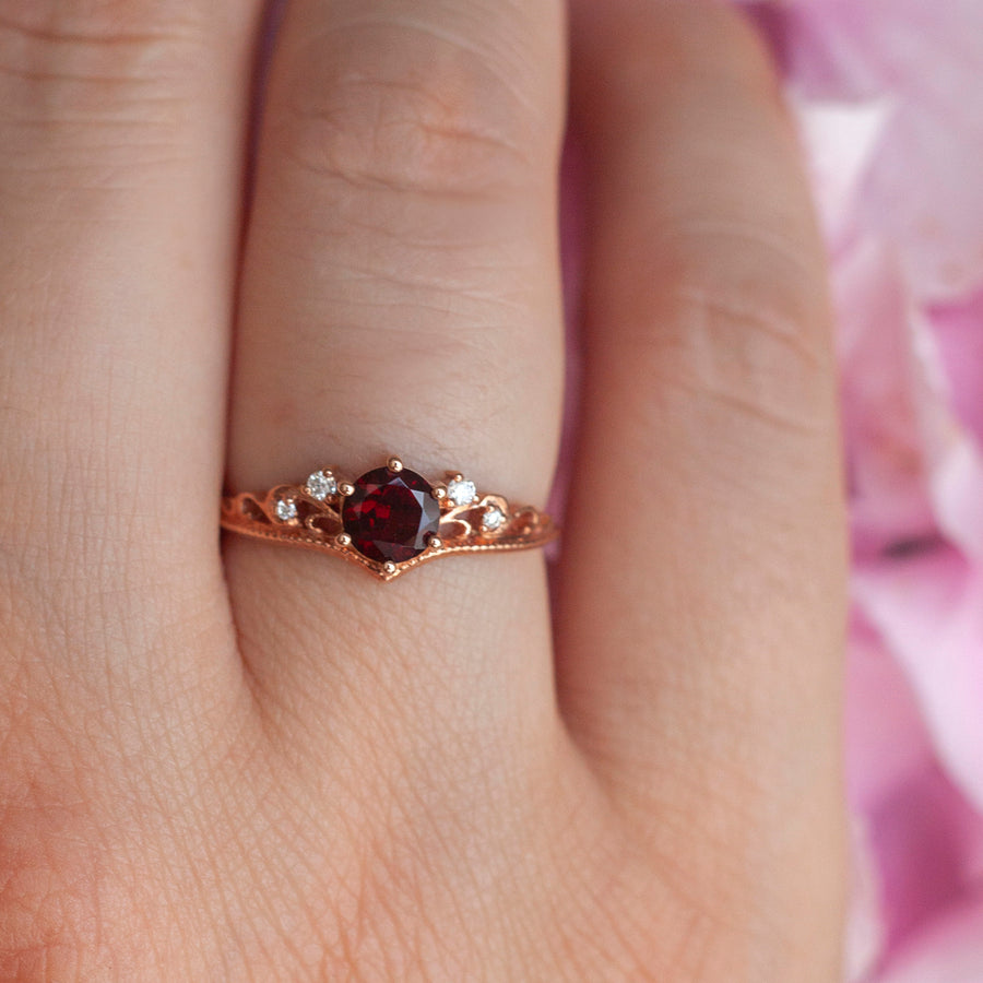 Lorna Vintage Solitaire Ring with Garnet