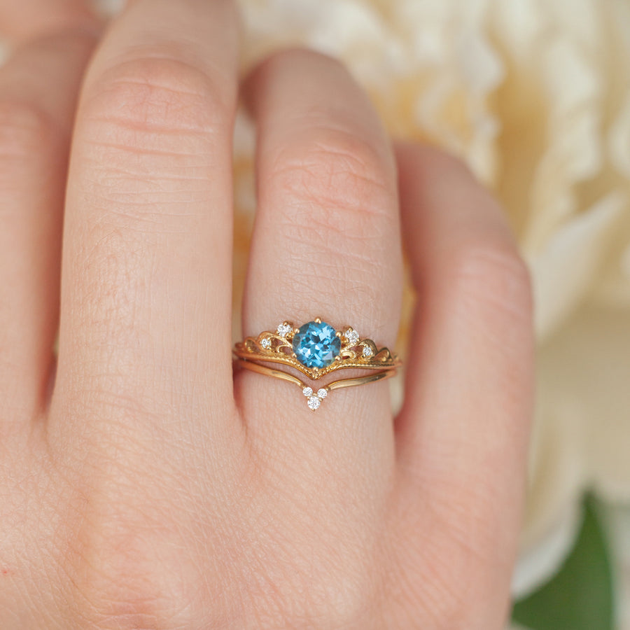 Paola Stackable Curved Band with Moissanite