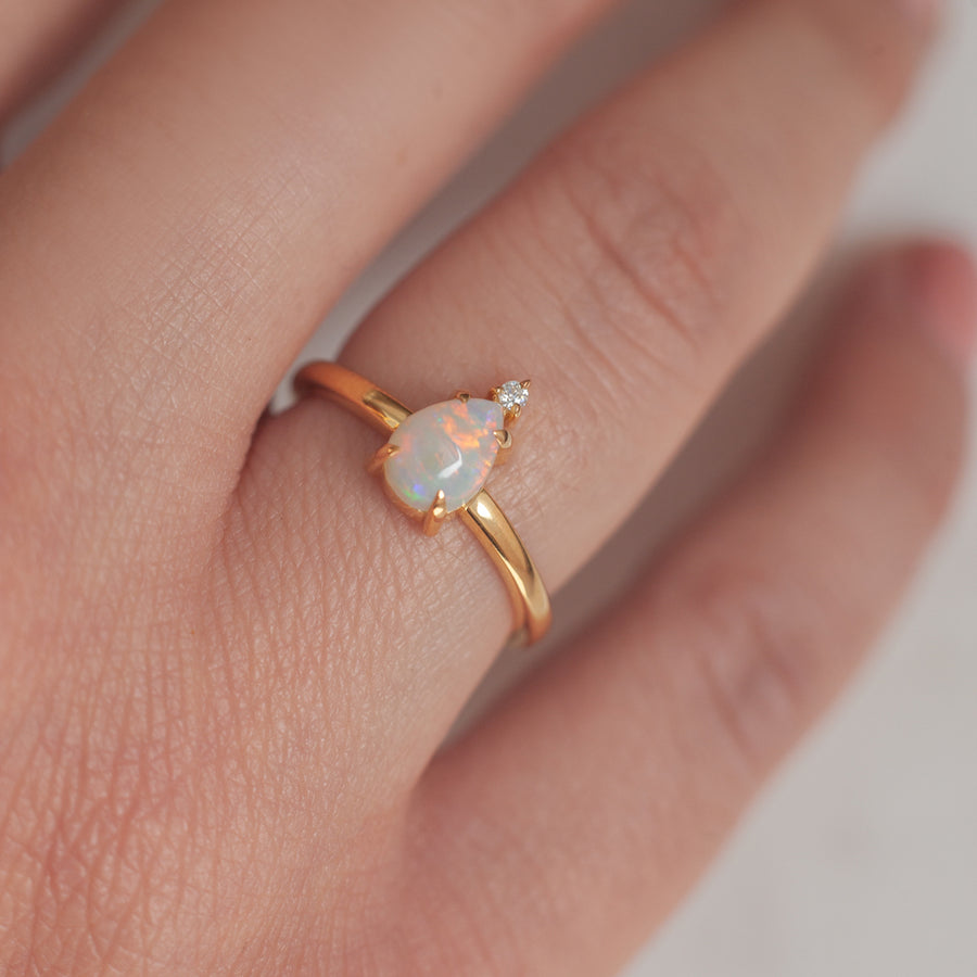 Eva Queen Australian Opal Ring with Moissanite