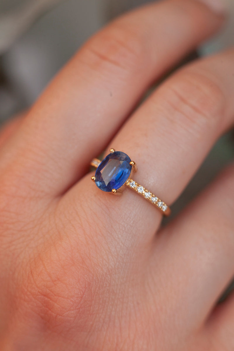Drew Oval Kyanite Ring with Moissanites