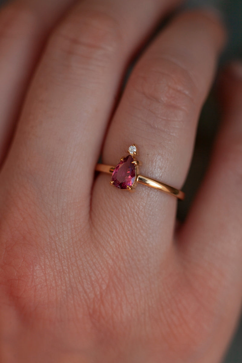 Eva Queen Pear Pink Tourmaline Ring with Moissanite