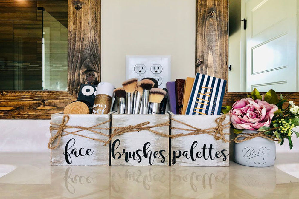 MAKEUP STORAGE IDEAS WHEN YOU'RE SHORT ON SPACE