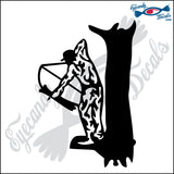 "BOW HUNTER IN TREE 6"" DECAL"