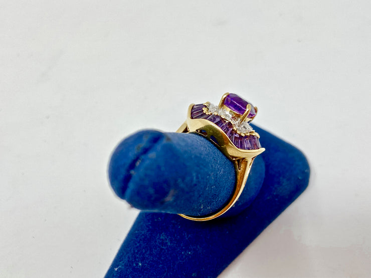 BEAUTIFUL 10K GOLD AMETHYST RING SIZE 8