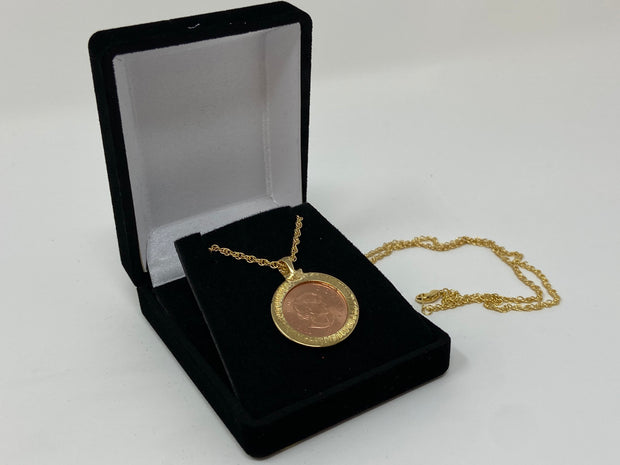 2012 UNCIRCULATED CANADIAN PENNY HAND ENAMELED W/ BRONZE BEZEL-CHAIN